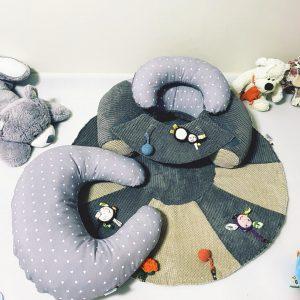 TERMO Sėdėjimo pagalvė su žaidimų kilimėliu + Maitinimo pagalvė ,,ŽVAIGŽDUTĖ,,