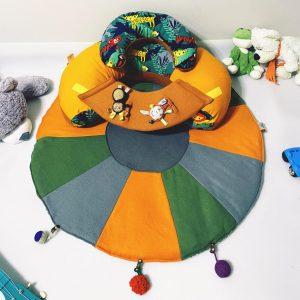 TERMO Sėdėjimo/Atraminė pagalvė su lavinamuoju žaidimų kilimėliu ,,APELSINAS,,